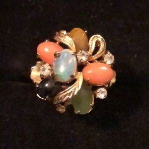 Jewelry - Gold Tone Ring SZ 6